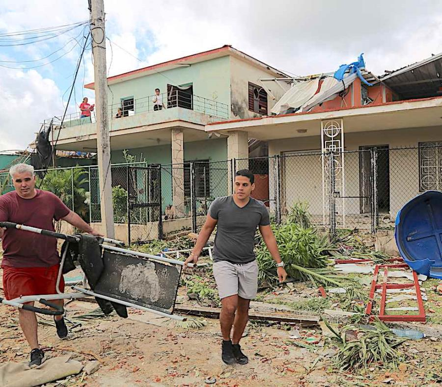 Los vientos de la tempestad que causó el tornado superaron en ráfaga las 70 mph. (semisquare-x3)