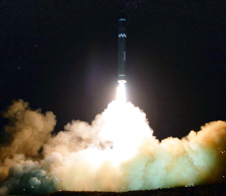 Corea del Sur revela por primera vez el tamaño del arsenal nuclear del régimen de Kim Jong-un (semisquare-x3)
