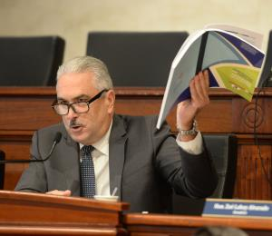 "Rivera Schatz cataloga de ""insostenible"" que dejen a los CDT sin fondos"