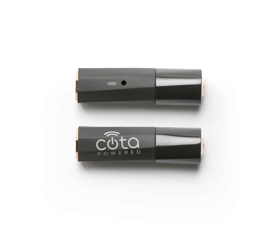 La batería Cota Forever, en tamañoa AA, puede mantenerse recargada siempre y cuando reciba la señal inalámbrica de la estación base. (Ossia.com) (semisquare-x3)