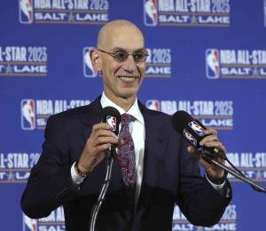 La NBA trabaja para reanudar la liga a finales de julio en Disney de Florida