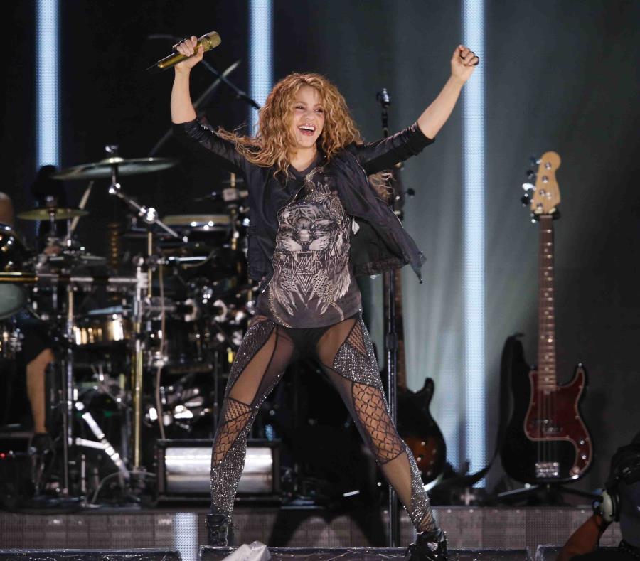 Shakira concluirá su gira el 3 de noviembre en Colombia (semisquare-x3)