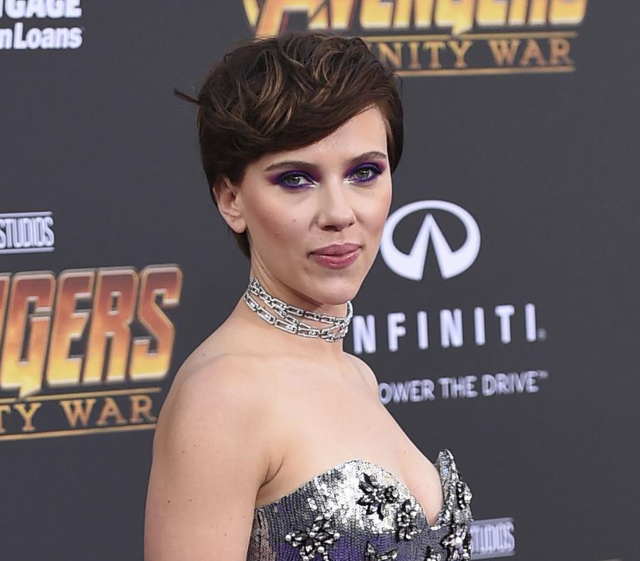 En esta foto del 23 de abril del 2018, Scarlett Johansson llega al estreno mundial de