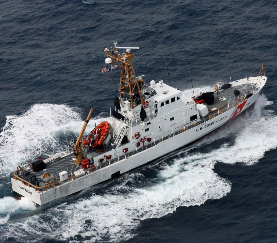El personal de búsqueda y rescate y los agentes de la Patrulla Fronteriza recuperaron de manera segura a ambos individuos del acantilad. (GFR Media) (semisquare-x3)