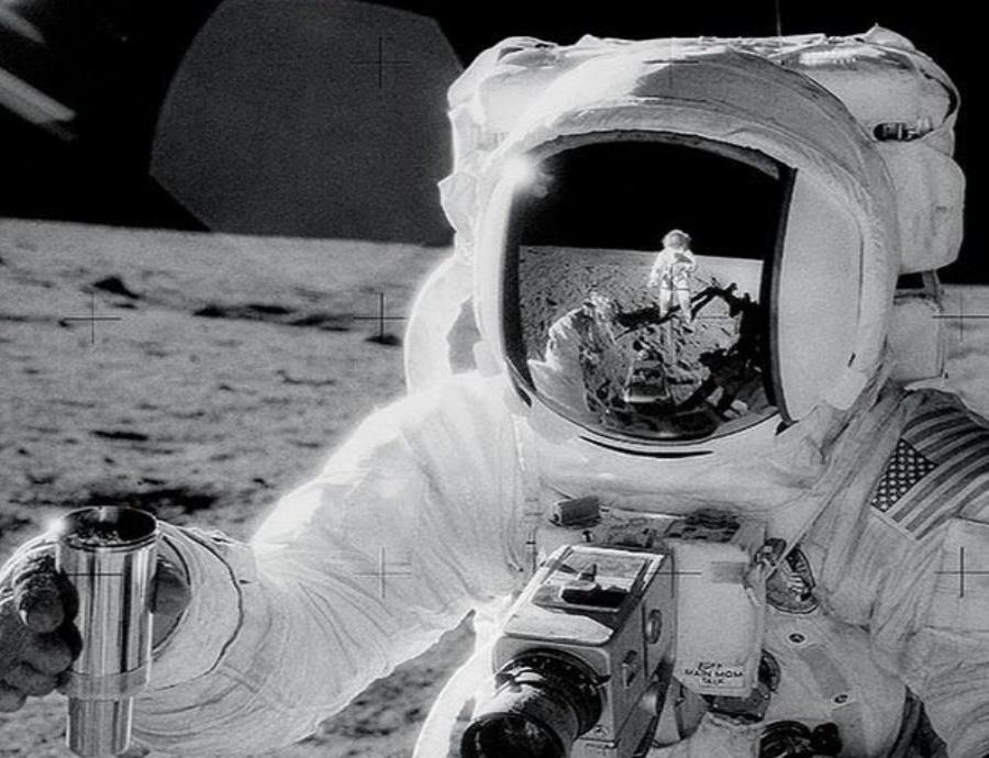 La NASA difunde más de 200 audios grabados durante el viaje a la Luna (semisquare-x3)
