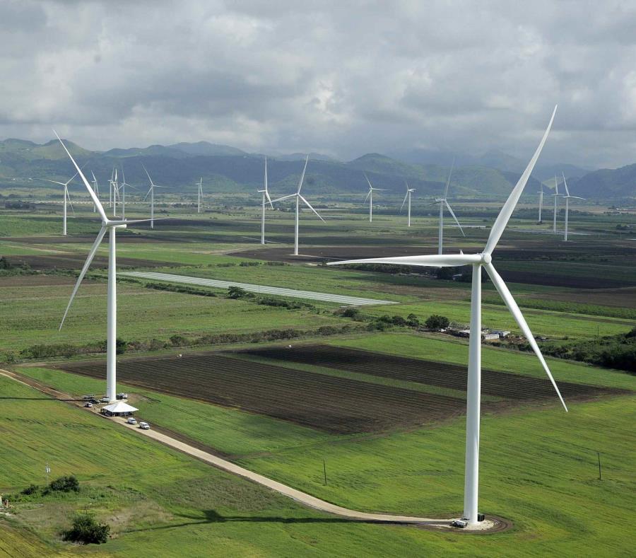En la foto el parque eólico de Santa Isabel (semisquare-x3)