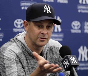 """El dirigente de los Yankees espera que el equipo llegue """"a la cima de la montaña"""""""