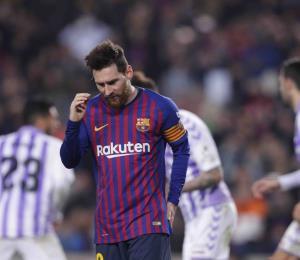 Penal convertido por Messi da triunfo al Barcelona