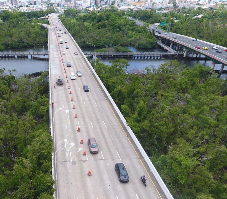 Las obras conllevarán una inversión de $8 millones para reparar el puente que discurre sobre el caño Martín Peña. (Suministrada) (semisquare-x3)