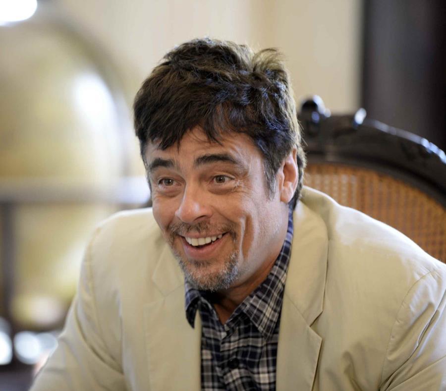 Del Toro se ha convertido en un huésped ilustre para los cubanos, pues últimamente visita el país a menudo. (GFR Media) (semisquare-x3)