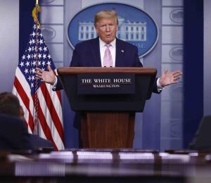 Donald Trump entiende que los deportes pueden volver con público para septiembre
