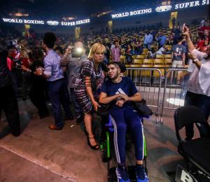 Prichard Colón presencia el combate de Manny Rodríguez en Orlando