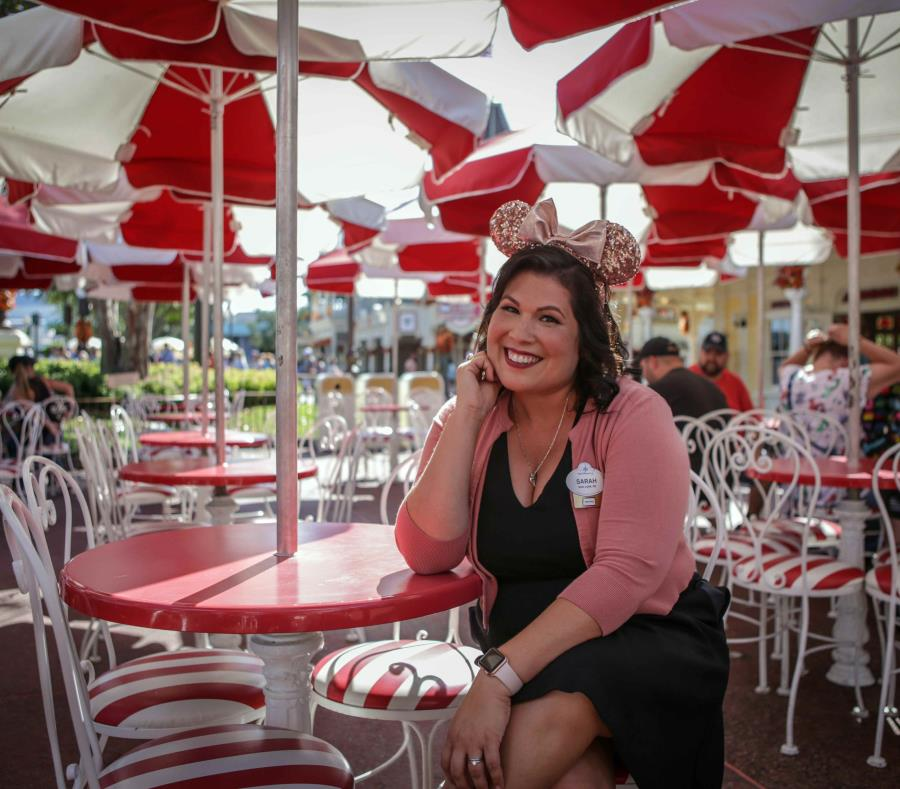 Walt Disney Resort´s face for the Hispanic market, Sarah Domenech. (semisquare-x3)