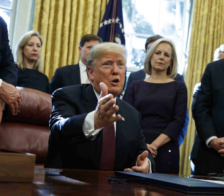 Trump desconocía críticas de fiscal interino a pesquisa de trama rusa — EEUU