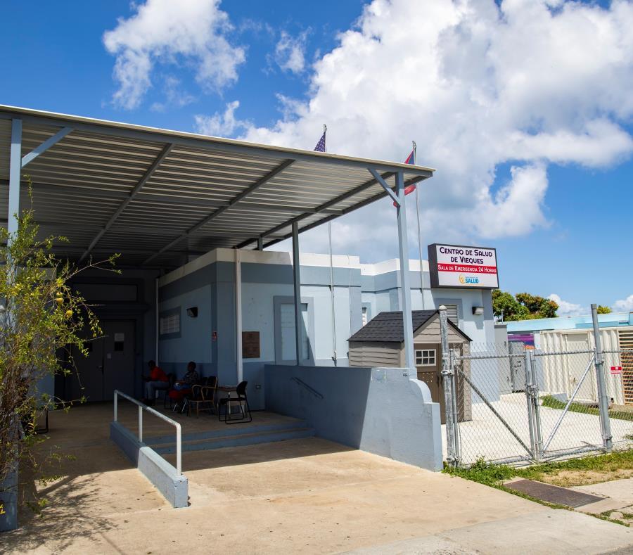 El lugar donde se ofrecen los servicios médicos en Vieques es una escuela que antes servía de refugio, en el barrio Las Marías. (semisquare-x3)