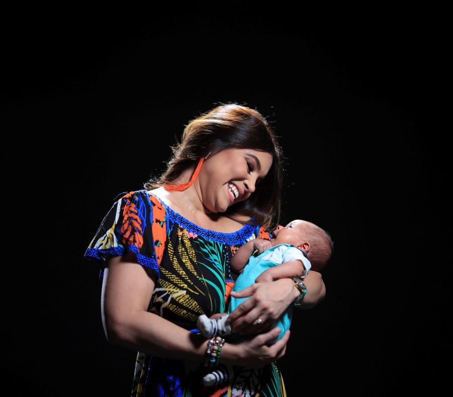bfd9cf709 La exreina Jennifer Guevara comparte su visión de la maternidad