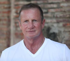 El hombre que salvó a niña boricua en Aruba narra cómo la rescató