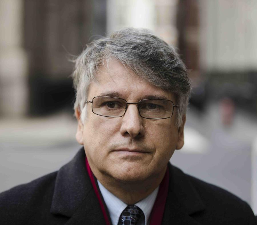 Neurólogo argentino, acusado de violar a cientos de pacientes — Nueva York