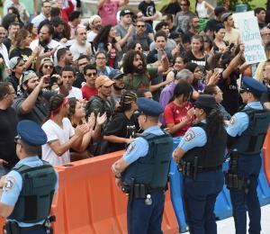 La Junta, la huelga, las máscaras