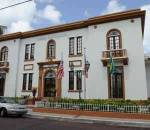 Rafael Hernández Colón y la autonomía municipal
