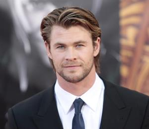 "Su hija pone sensible a Chris Hemsworth por su personaje en ""12 Strong"""