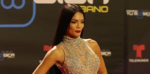 La moda en la alfombra roja de los Premios Tu Música Urbano