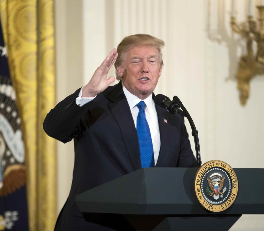 En los últimos días, Donald Trump ha recuperado su discurso más duro contra la inmigración ilegal en un aparente intento por alejar el foco mediático de las familias separadas en la frontera. (EFE / Michael Reynolds) (semisquare-x3)