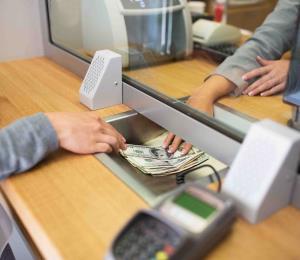 Bancos anuncian sus horarios para Semana Santa