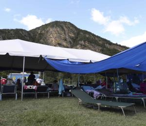 Inaugurarán una escuela con maestros voluntarios en un parque de Peñuelas