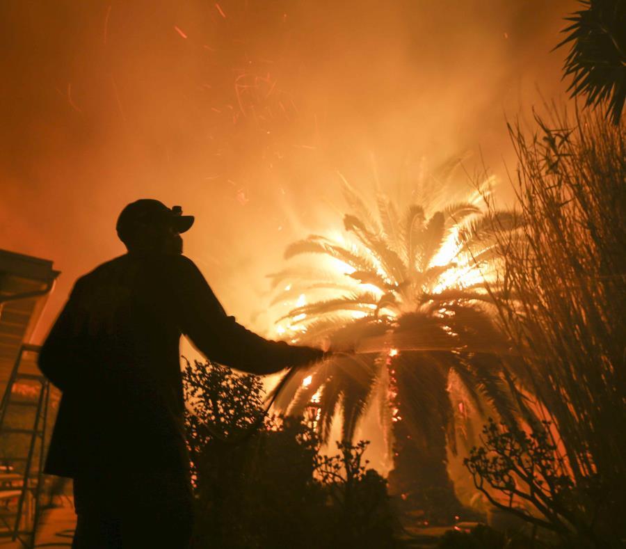 El peor incendio de la historia de California, en imágenes