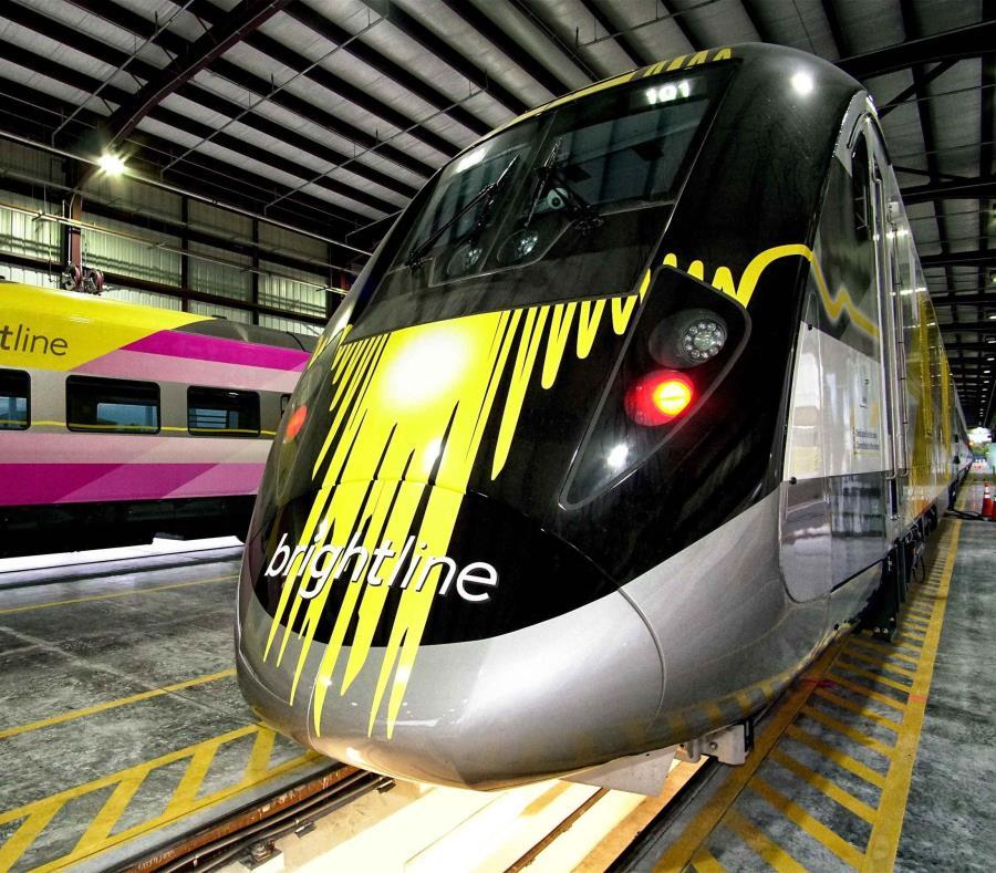 La línea ferroviaria de alta velocidad que unirá Miami y Orlando (Florida) echó a andar hoy con un