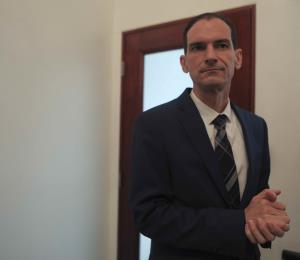 No ha lugar la solicitud de desestimación en caso contra Torres Zamora
