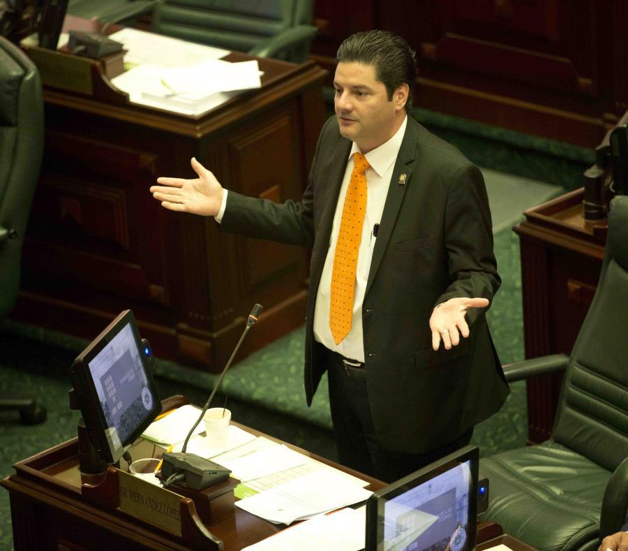 El representante por Carolina, Ángel Matos García (semisquare-x3)
