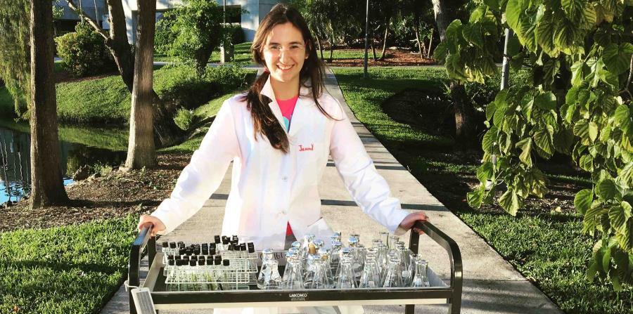 Jennifer Gil, de hecho, es la única boricua que ha ganado la beca y la única latina de los cinco seleccionados este año. (horizontal-x3)