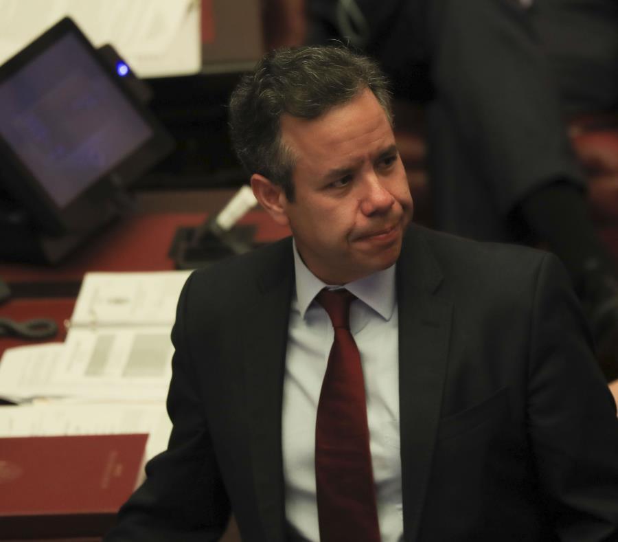 El senador Miguel Romero participó hoy de la sesión del Senado. (semisquare-x3)