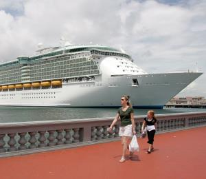 Royal Caribbean anuncia más servicios a islas privadas