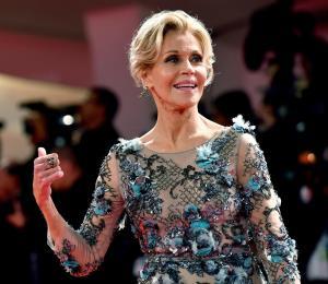 Jane Fonda afirma estar llena de vida tras extirpación de un tumor