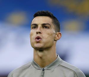 La madre de Cristiano Ronaldo pide hacer viral el apoyo para el futbolista