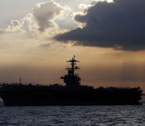 Un portaaviones de Estados Unidos reporta brote de coronavirus