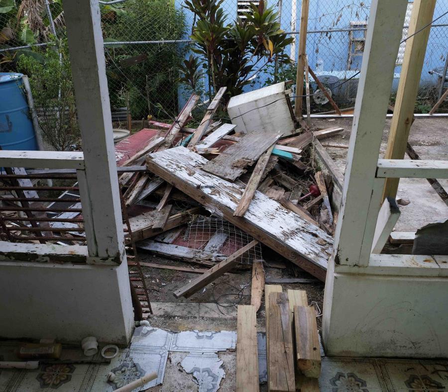 Una de las casas que sufrió daños severos tras el paso del huracán María. (semisquare-x3)