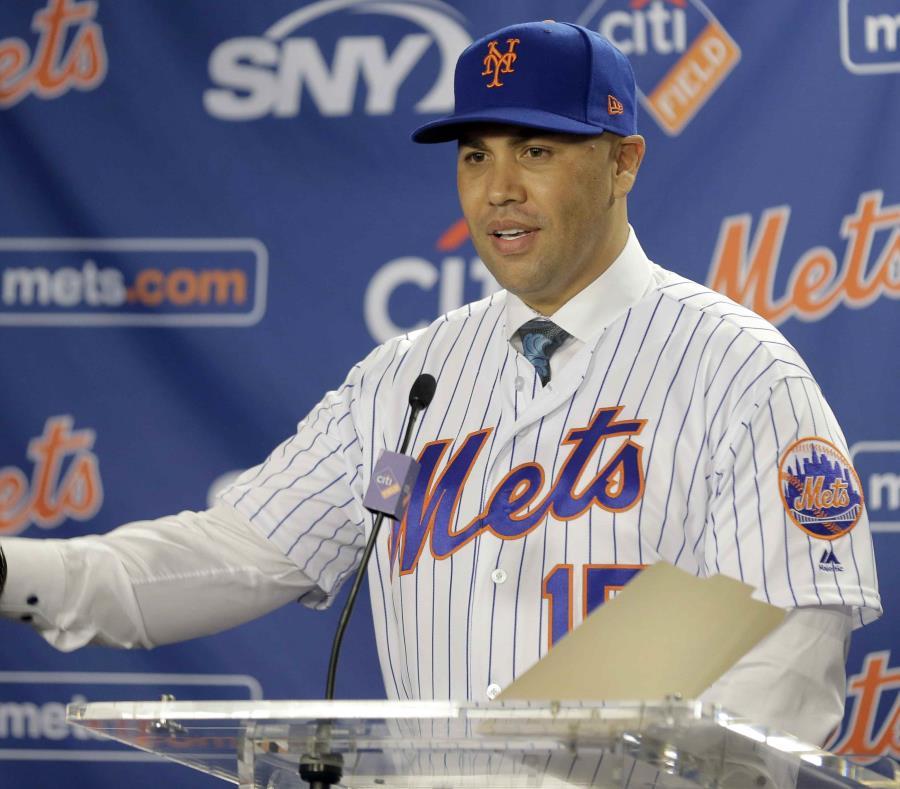 Carlos Beltrán, fuera de los Mets por robo de señas