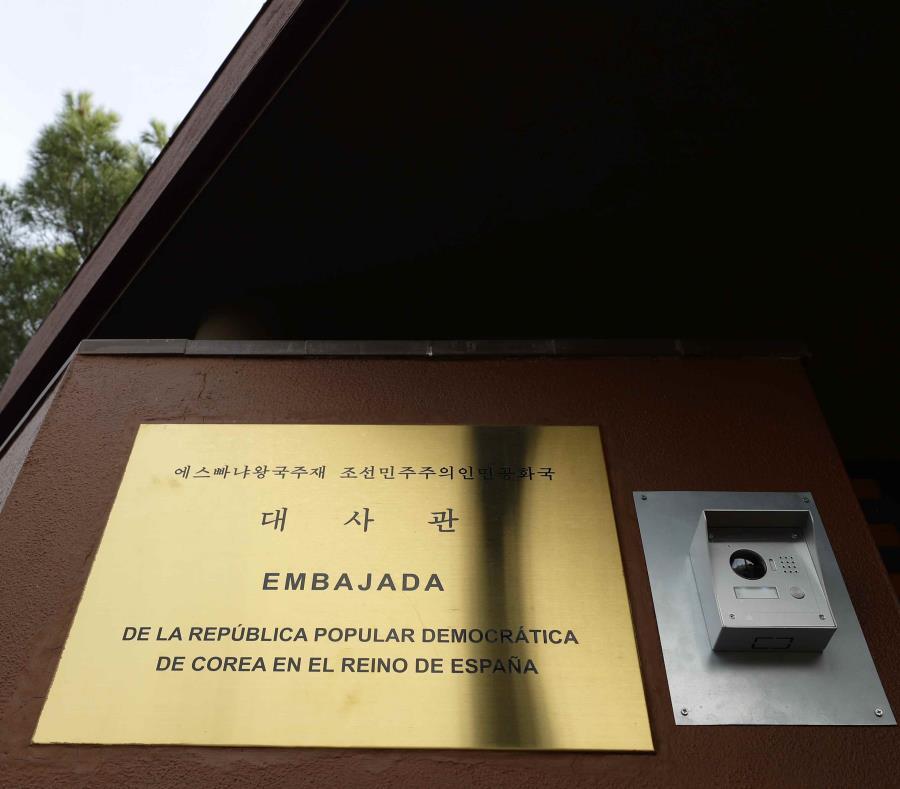 Parte de la embajada de Corea del Norte en España, en Madrid. (AP/Manu Fernández) (semisquare-x3)