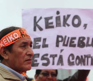 Detienen a los dos principales asesores de Keiko Fujimori durante una marcha