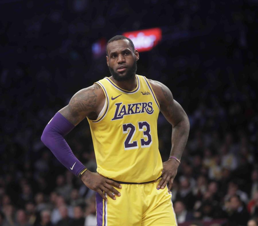 Los Ángeles Lakers - Pelicans de Nueva Orleans: Triple Doble de Lebron