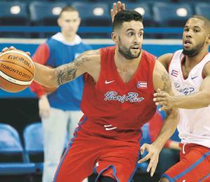 La Federación de Baloncesto sancionó a Javier Mojica y Denis Clemente