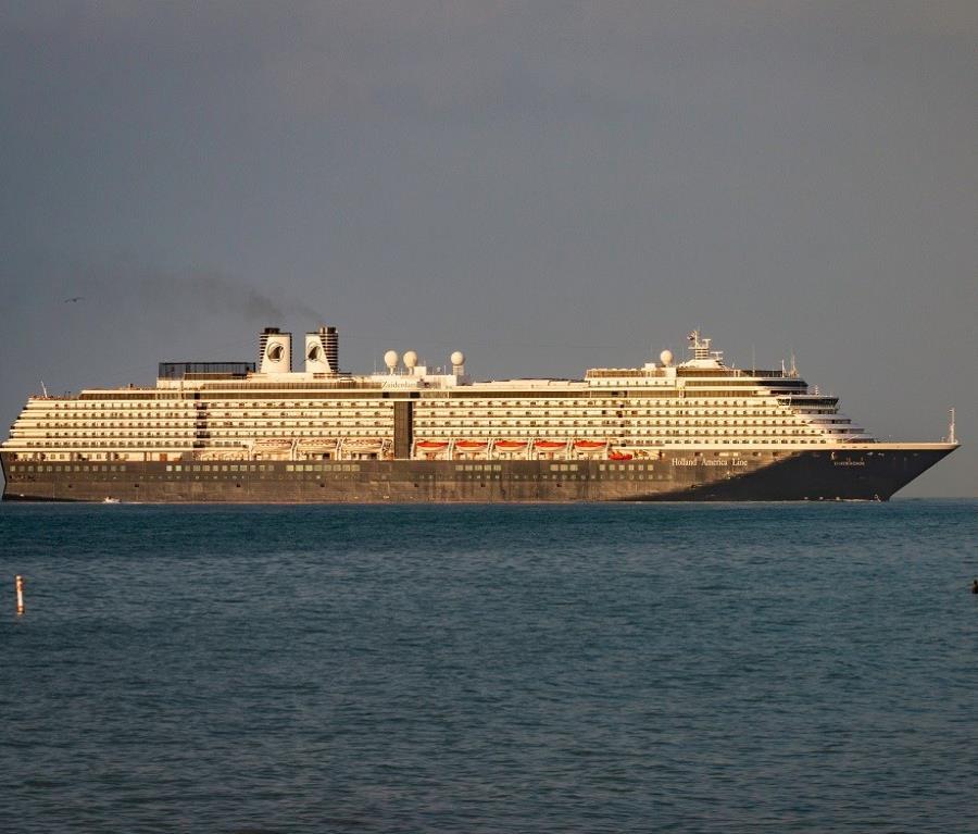 Negarán en Panamá desembarco de crucero con enfermos a bordo