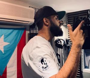 El Tumbao de Ricar busca cautivar con su fusión de salsa, plena y música urbana