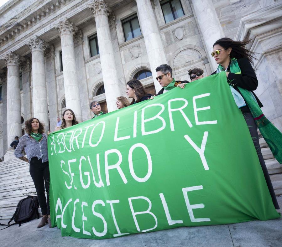 La Mesa de Trabajo sobre el aborto denunció frente al Capitolio que el proceso de aprobación de la medida ha sido antidemocrático y excluyente (semisquare-x3)