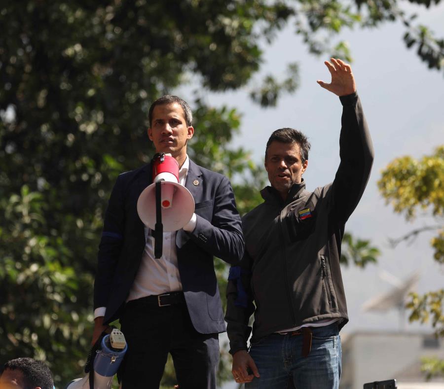 Juan Guaidó (i) y Leopoldo López (d) (semisquare-x3)