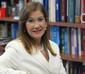 Investigadora de Ciencias Médicas gana el Premio Bajarí